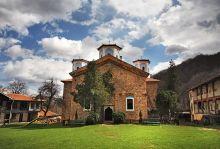 За един ден: Елешнишки, Етрополски манастир и Етрополе